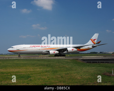 PZ-TCP Surinam Airways Airbus A340-311 - cn 0494 Banque D'Images