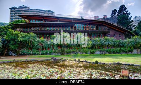 L'éco-construction Bibliothèque de Beitou à Taipei, Taiwan. Banque D'Images
