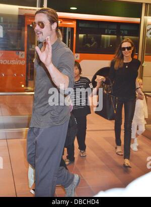 Tokyo, Japon. 28 juillet 2013. Brad Pitt, Angelina Jolie, Brad Pitt, Angelina Jolie et leurs enfants Pax, Knox et Banque D'Images