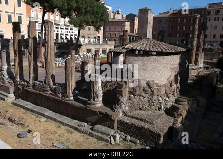 Demeure des quatre temples de la place Largo di Torre Argentina au cours de la période de la République romaine. Banque D'Images