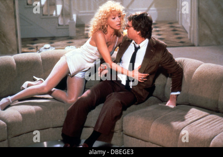 Si FINE (1981) MARIANGELA MELATO, Ryan O'NEAL, ANDREW BERGMAN (DIR) PNS 007 COLLECTION MOVIESTORE LTD Banque D'Images