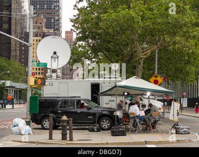 Une unité de diffusion extérieure travaillant à New York City Banque D'Images