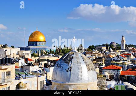 Les toits de la vieille ville de Jérusalem, Israël. Banque D'Images
