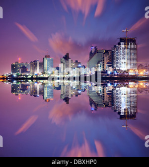 Tel Aviv, Israël des tours d'horizon resort. Banque D'Images