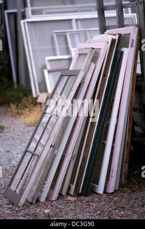 Windows pour recyclage de vieux bois Banque D'Images