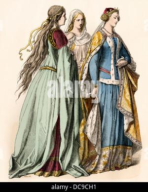 Mesdames fréquentant une princesse anglaise du 14e siècle. Impression couleur à la main Banque D'Images