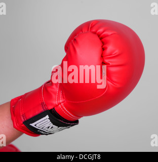 Gant de boxe rouge. Jemma parution modèle 3796 Pas de tir Banque D'Images