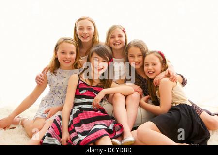 Portrait de groupe de jeunes filles