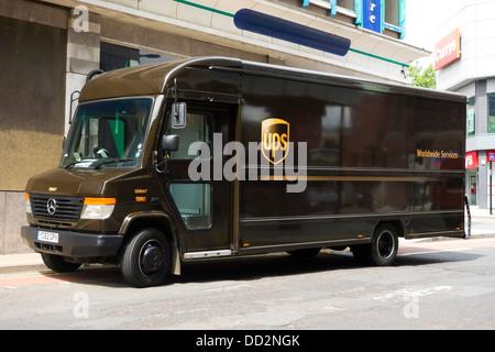 Un camion de livraison d'UPS au Royaume-Uni. Banque D'Images