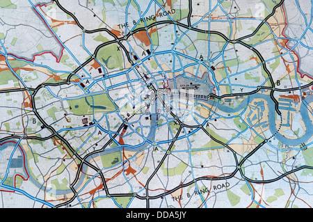 Un détail d'une carte montrant les propositions de la route dans le comté de Londres 1943 Plan par Abercrombie et Banque D'Images