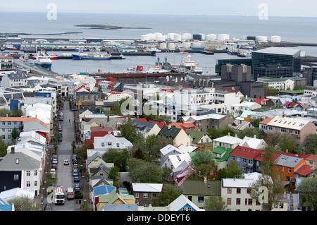 Vue depuis le clocher de Hallgrimskirkja à Reykjavik, Islande Banque D'Images