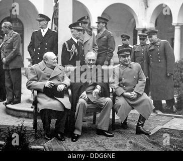 Conférence de Yalta en février 1945. Assis de l: Winston Churchill, Franklin D. Roosevelt, Joseph Staline. Voir Banque D'Images