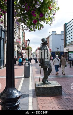 Statue de James Joyce sur north Earl Street à Dublin, Irlande Banque D'Images