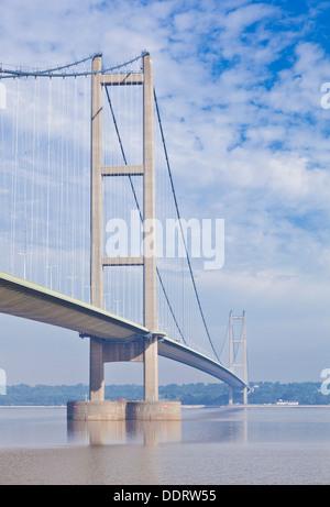 Le Humber Bridge sur la rivière Humber Humberside East England UK GB EU Europe