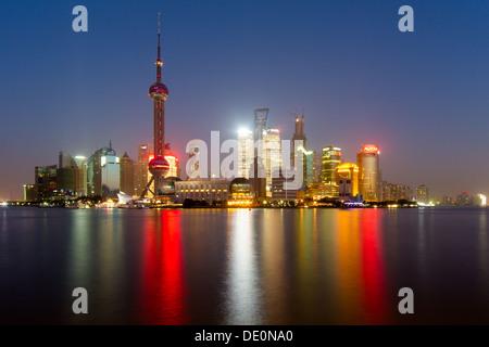 Vue d'ensemble de la rivière Huangpu Pudong Bund Banque D'Images