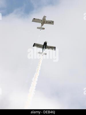 Dublin, Irlande. 15e Août, 2013. Flightfest 2013, un survol unique des deux aéronefs anciens et modernes le long Banque D'Images