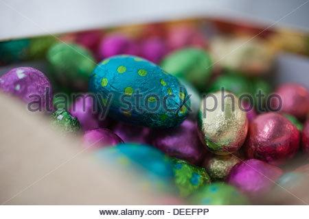 Le chocolat les oeufs Banque D'Images
