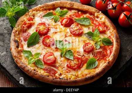 Neopolitan pizza Banque D'Images