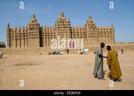 Grande Mosquée de Djenné. Djenné. La région de Mopti. Delta Intérieur du Niger. Le Mali. L'Afrique de l'Ouest. Banque D'Images