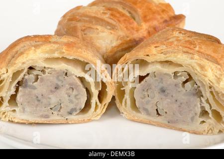 Saucisse de porc saucisse rouleaux enveloppés de pâte feuilletée Banque D'Images