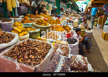 Marché Binh Tay Cho lon. Ho Chi Minh Ville (anciennement Saigon). Le Vietnam du Sud. Banque D'Images