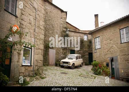 Village situé sur la colline de granit, Monsanto, Castelo Branco, Beira Baixa, de l'Est, le Portugal, l'Europe Banque D'Images