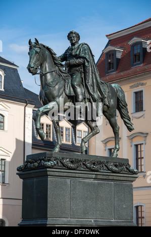 Monument à duc Carl August, statue équestre en bronze sur un piédestal, Weimar, Thuringe, Allemagne Banque D'Images