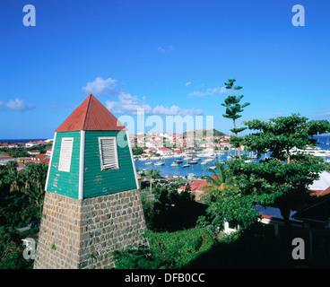 Vieux clocher de l'Église suédoise. Gustavia. Saint Barth. Caraïbes Banque D'Images