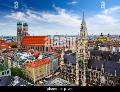 Munich, Allemagne skyline à l'Hôtel de Ville. Banque D'Images