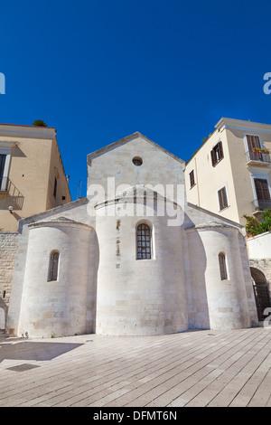 Bâtiment de l'église à coupole Ferrarese Square Bari Italie Banque D'Images