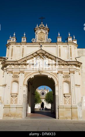 CAAC (Centre andalou d'Art Contemporain), ancien Santa Maria de Las Cuevas chartreuse, l'île de la Cartuja, à Séville. Banque D'Images