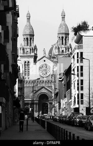 Vue de l'église de Sainte Anne de la Maison Blanche. Paris. La France. Banque D'Images