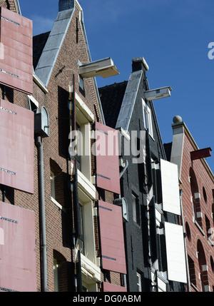 Volets sur la construction du canal Amsterdam Banque D'Images