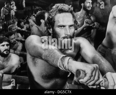 Charlton Heston sur-ensemble du film, 'Atonement', Metro-Goldwyn-Mayer, 1959