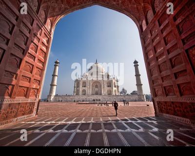 Le célèbre Taj Mahal à Agra, Uttar Pradesh, Inde. Banque D'Images