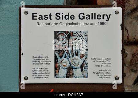 """Panneau """"East Side Gallery"""" sur le reste du mur de Berlin, East Side Gallery, Berlin-Friedrichshain, PublicGround Banque D'Images"""