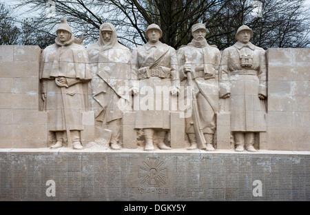 Mémorial aux morts de la Première Guerre mondiale, Verdun, France, Europe Banque D'Images
