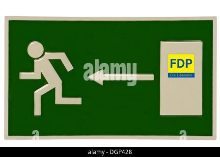 Enseigne de sortie d'urgence avec FDP logo sur la porte, image symbolique de la perte de l'appartenance à la FDP Banque D'Images