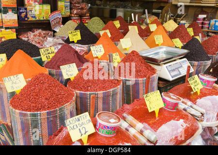 Les épices au bazar égyptien, Istanbul, Turquie Banque D'Images