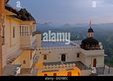Devigarh Palace Hotel de la mousson, près d'Udaipur, Rajasthan, Inde, Asie Banque D'Images