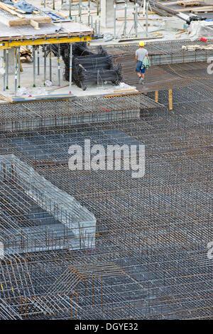 Les travailleurs de la construction, l'acier d'armature, grand site en construction, Stuttgart-21 site de construction, Banque D'Images