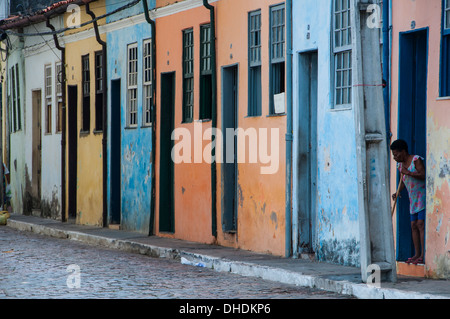 Maisons colorées à Cachoeira près de Salvador, Bahia, Brésil Banque D'Images