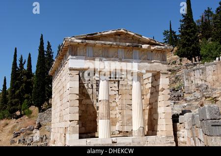 Le Conseil du Trésor des Athéniens. Delphes , UNESCO World Heritage Site, Péloponnèse, Grèce, Europe Banque D'Images