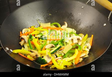 Sauté de légumes Banque D'Images