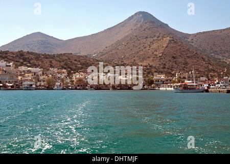 Vue sur le golfe d'Elounda, d'Elounda, partie de la municipalité d'Agios Nikolaos, Crète, Grèce, Europe.