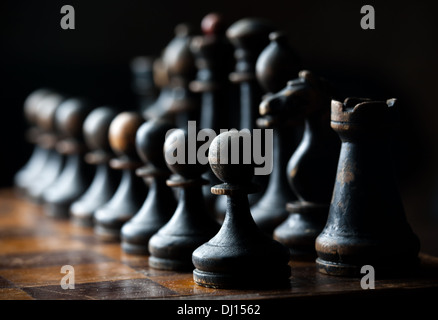Pièces des échecs en bois Vintage