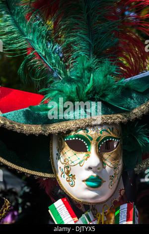 Masque de carnaval vénitien traditionnel, Veneto, Italie. Banque D'Images