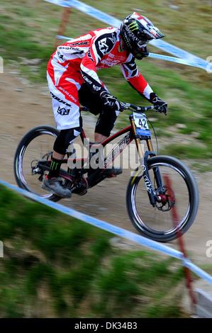 Vtt Downhill Racer Steve Peat participe à la Coupe du Monde de vélo de montagne UCI , Fort William n'en 2013. Banque D'Images
