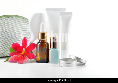 Tous les jours, soins de beauté cosmetic isolé sur fond blanc. La crème pour le visage, une crème contour des yeux, Banque D'Images
