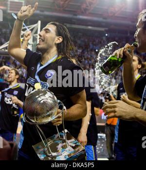 11 septembre 2011 - Mar del Plata, Buenos Aires, Argentine - l'Argentine, LUIS SCOLA célèbre avec le trophée. L'Argentine Banque D'Images